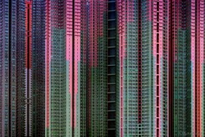 michael-wolf-architecture-of-density-hong-kong-people-packed-like-sardines-living-in-a-shoebox-claustrophobic-residential-cages-living-in-small-spaces-the-flying-tortoise-005