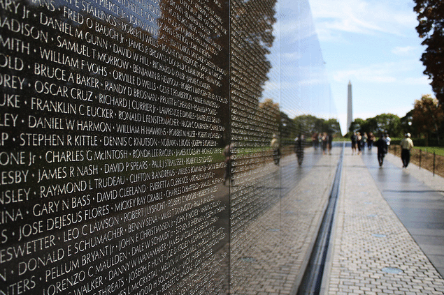 Vietnam-Veterans-Memorial-Washington-DC-by-derekskey-on-Flickr.com_